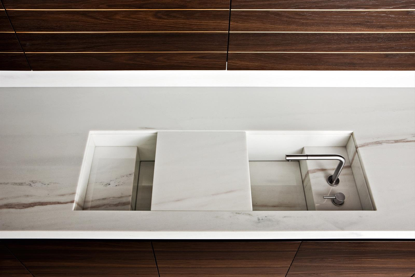 Slide | Armani Dada Kitchens | High-end Kitchen Design